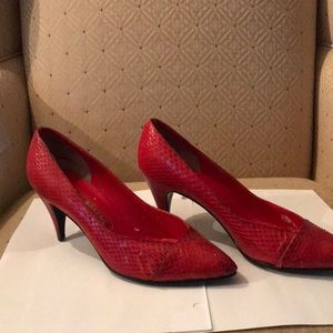 Genuine snakeskin pumps